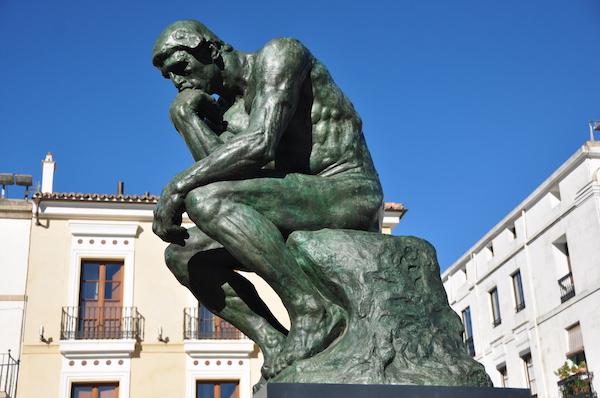 El Pensador de Rodin, expuesto en la Plaza Mayor de Cáceres.5 December 2011, 13:20:55;Own work; Jesusccastillo